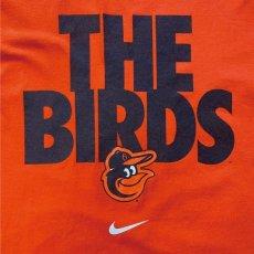 画像2: 「NIKE(ナイキ)」MLB ボルチモア・オリオールズ O's THE BIRDS オレンジ Tシャツ (2)