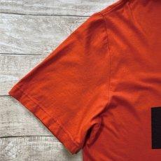 画像3: 「NIKE(ナイキ)」MLB ボルチモア・オリオールズ O's THE BIRDS オレンジ Tシャツ (3)
