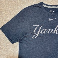 画像2: 「NIKE(ナイキ)」MLB ニューヨークヤンキース NEW YORK YANKEES 杢チャコール Tシャツ (2)