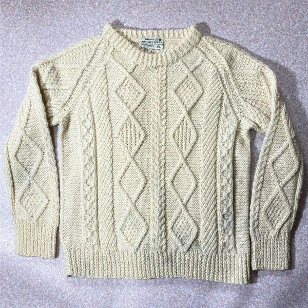 画像1: 「mullens cottage crafts(ミューレンズ コテージ クラフツ)」オフホワイト ローゲージ ケーブル アラン ハンドニット (1)